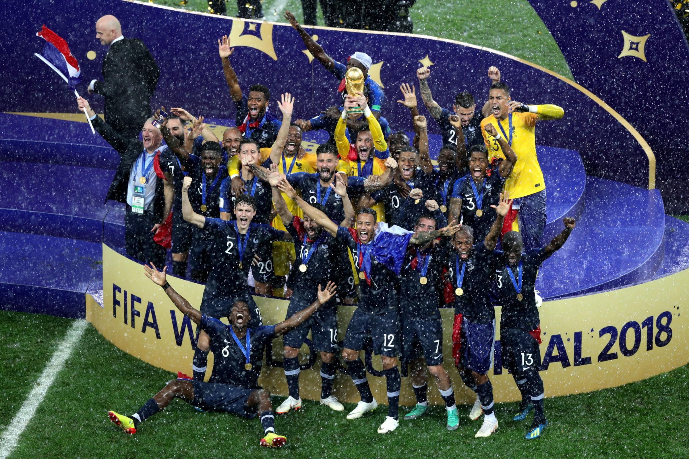 France celebrate with the trophy after winning the FIFA World Cup Final at the Luzhniki Stadium, Moscow. PRESS ASSOCIATION Photo. Picture date: Sunday July 15, 2018. See PA story WORLDCUP Final. Photo credit should read: Aaron Chown/PA Wire. RESTRICTIONS: