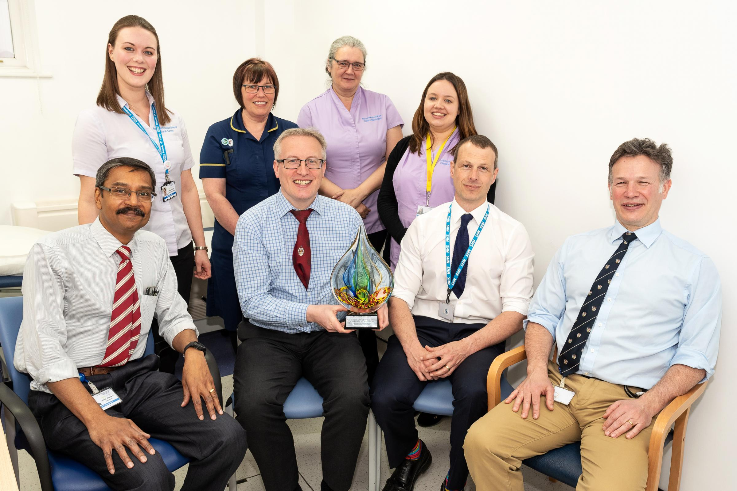 (left – right) Research Project Manager Sarah Turner, Specialist Nurse Jane Herbert, Research Nurse Claire Nicholas and Research Study Support Officer Charlotte Perkins with Consultant Orthopaedic Surgeons Nilesh Makwana, Andrew Bing, Chris Marquis